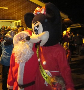 minnie and father christmas